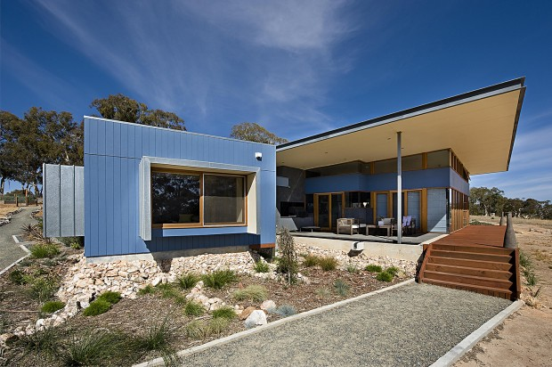 Birdwood Art House - A contemporary architecturally designed home - rear courtyard