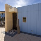 Birdwood Art House - A contemporary architecturally designed home - paved courtyard