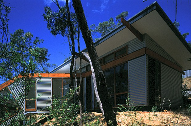 Sustainably designed home in Blackwood - side view