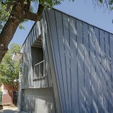 Sustainable Bedsit behnd business in North Adelaide