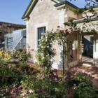 Sustainably renovated bluestone cottage Parkside