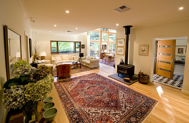 Adelaide HiIls sustainable home Stirling
