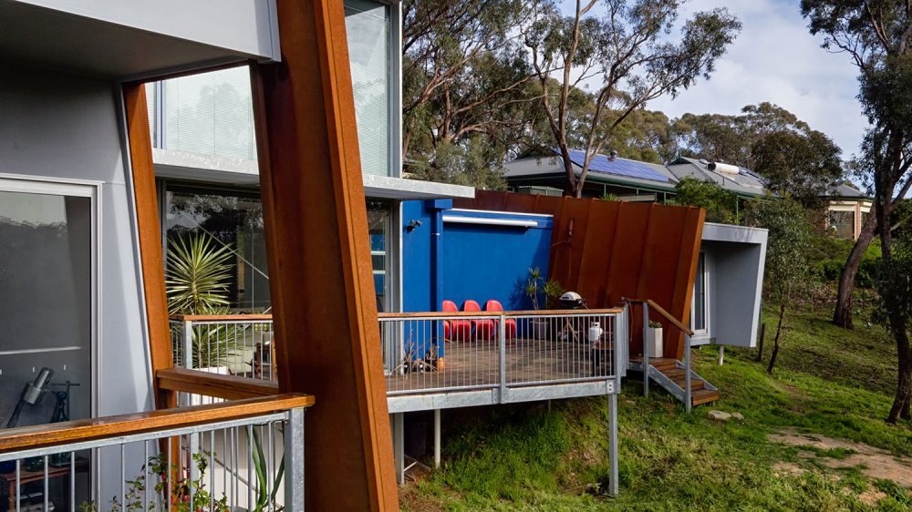 Contrast, forms, new, bold, angular, extension, design, architectural, space, corten, alucobond, thermal control, architectural design, insulation, acoustic separation, corrugated, Adelaide Hills, outdoor living